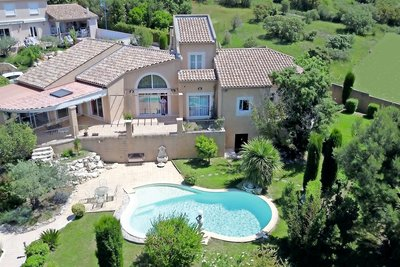 House for sale in UZES  - 8 rooms - 230 m²