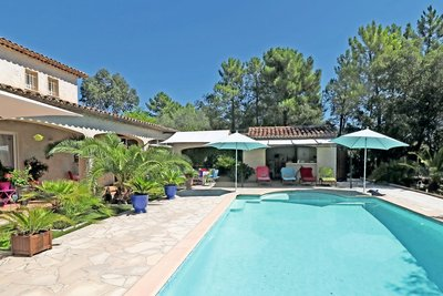 House for sale in ROQUEBRUNE-SUR-ARGENS  - 6 rooms - 230 m²