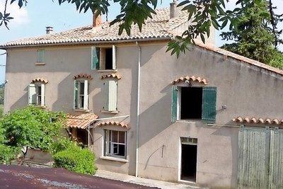 Maison à vendre à MALEMORT-DU-COMTAT   - 200 m²