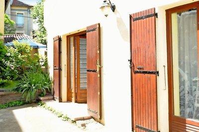 Maison à vendre à CHASSELAY  - 6 pièces - 160 m²