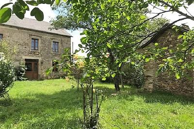 ST JUST SUR VIAUR- Maison à vendre - 10 pièces - 223 m²