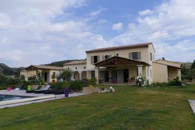 Maison à vendre à PELISSANNE  - 5 pièces - 210 m²