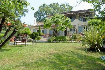 Maison à vendre à MOUANS-SARTOUX  - 9 pièces - 250 m²