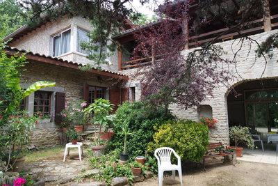 Maison à vendre à CHARMES-SUR-L'HERBASSE  - 8 pièces - 262 m²