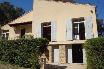 Maison à vendre à ST-ETIENNE-DU-GRES  - 8 pièces - 120 m²