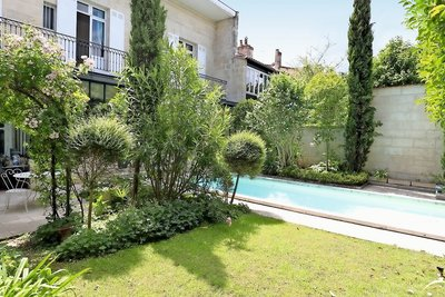 House for sale in BORDEAUX  - 14 rooms - 380 m²