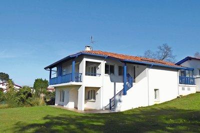 ST-JEAN-DE-LUZ- House for sale - 7 rooms - 250 m²