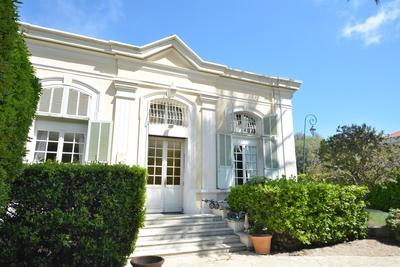 JUAN-LES-PINS- Maison à vendre - 7 pièces - 220 m²