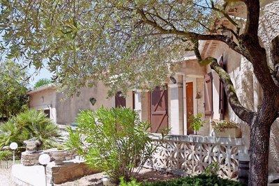 Maison à vendre à CHATEAUNEUF-LE-ROUGE  - 5 pièces - 128 m²