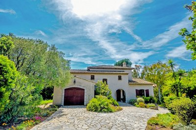 Maison à vendre à LES ISSAMBRES  - 5 pièces - 220 m²