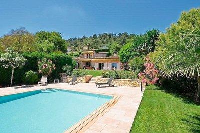 Maison à vendre à LA COLLE-SUR-LOUP  - 6 pièces - 200 m²