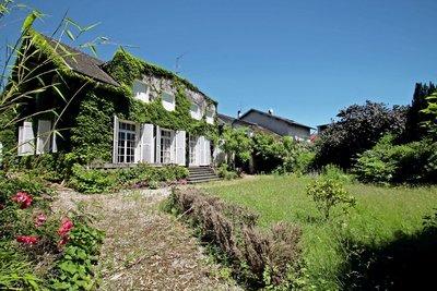 Maison à vendre à BELLEY  - 8 pièces - 265 m²