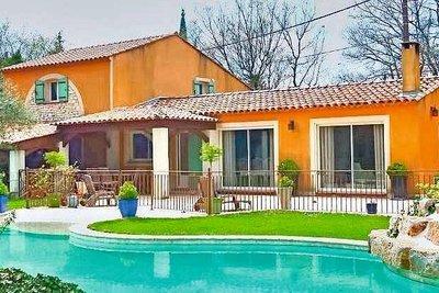 Maison à vendre à FUVEAU  - 8 pièces - 230 m²