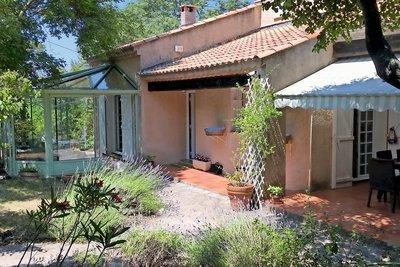 Maison à vendre à CEYRESTE  - 6 pièces - 194 m²
