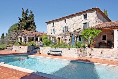 House for sale in DRAGUIGNAN  - 10 rooms - 350 m²