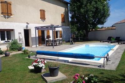 Maison à vendre à ST GEORGES DE RENEINS  - 6 pièces - 130 m²