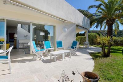 Maison à vendre à CANNES  - 8 pièces - 382 m²