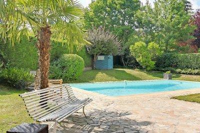Maison à vendre à CHARBONNIERES-LES-BAINS  - 7 pièces - 165 m²