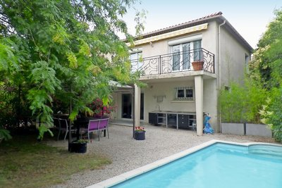House for sale in MONTELIMAR  - 8 rooms - 183 m²