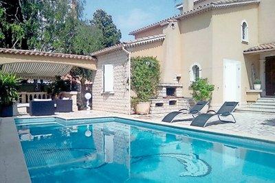 PIERRELATTE- Maison à vendre - 7 pièces - 160 m²
