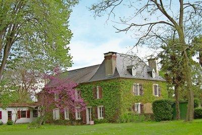 - 12 rooms - 350 m²