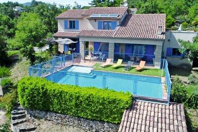 Maison à vendre à CHASSIERS  - 7 pièces - 235 m²