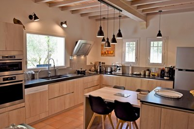 Maison à vendre à SAINT-ETIENNE-DU-GRES  - 6 pièces - 165 m²