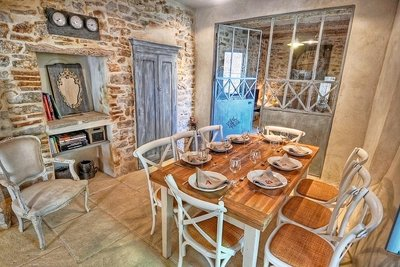 House for sale in UZES  - 8 rooms - 217 m²