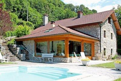 Maison à vendre à CHINDRIEUX  - 6 pièces - 190 m²