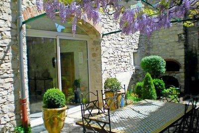 Maison à vendre à SAUZET  - 6 pièces - 210 m²
