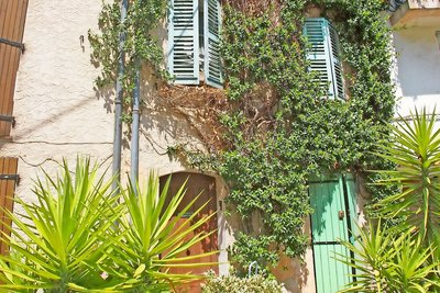 House for sale in ROQUEBRUNE-SUR-ARGENS  - 4 rooms - 104 m²