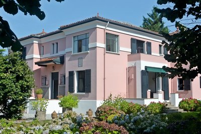 ANGLET- House for sale - 6 rooms - 300 m²