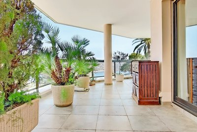 Appartement à vendre à VILLEFRANCHE-SUR-MER  - 3 pièces - 100 m²