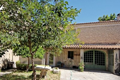 House for sale in ST-REMY-DE-PROVENCE   - 104 m²