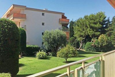 Appartement à vendre à CAP D'ANTIBES  - 3 pièces - 70 m²