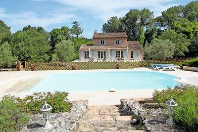 Maison à vendre à LUYNES  - 9 pièces - 234 m²