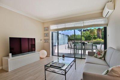 Appartement à vendre à ANTIBES  - 2 pièces - 55 m²