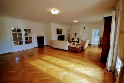 Maison à vendre à CESSY  - 8 pièces - 265 m²
