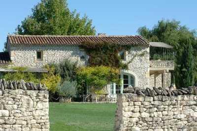 Maison à vendre à GORDES  - 13 pièces - 247 m²