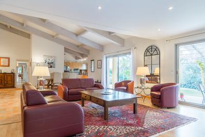 Maison à vendre à AIX-EN-PROVENCE  - 6 pièces - 215 m²