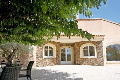 Maison à vendre à MEYREUIL   - 280 m²