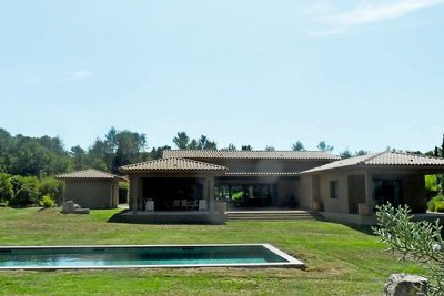 Maison à vendre à FUVEAU   - 330 m²