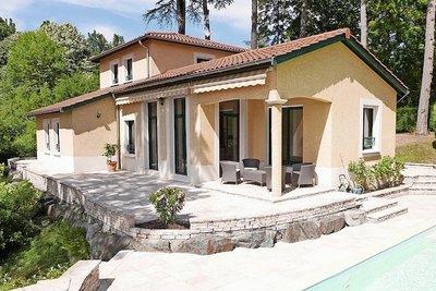 Maison à vendre à CHARBONNIERES-LES-BAINS
