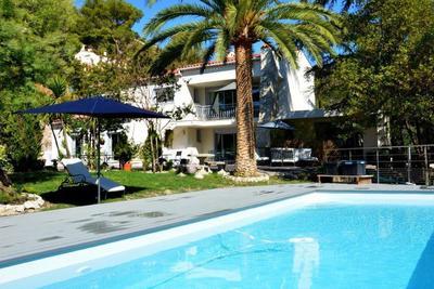 Maison à vendre à LA TURBIE  - 6 pièces - 273 m²