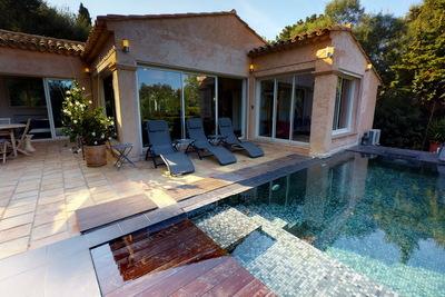 Maison à vendre à ST-TROPEZ  - 4 pièces - 100 m²