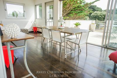 Maison à vendre à CHATELAILLON PLAGE  - 9 pièces - 232 m²
