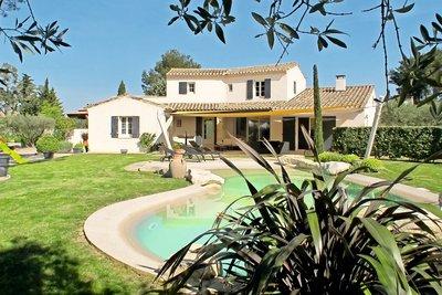 Maison à vendre à immobilier ST-REMY-DE-PROVENCE  - 6 pièces - 200 m²