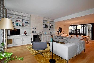 Appartement à vendre à BORDEAUX HOTEL DE VILLE -QUINCONCES - 5 pièces - 170 m²