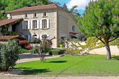 Maison à vendre à ST-DONAT-SUR-L'HERBASSE  - 7 pièces - 220 m²