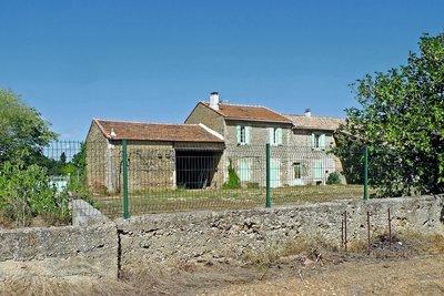 Maison à vendre à SUZE LA ROUSSE  - 7 pièces - 500 m²